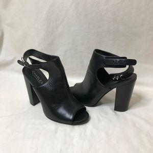 Black peep-toe heel